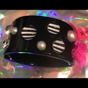 Lucite pearl cuff bracelet Betsey Johnson vintage
